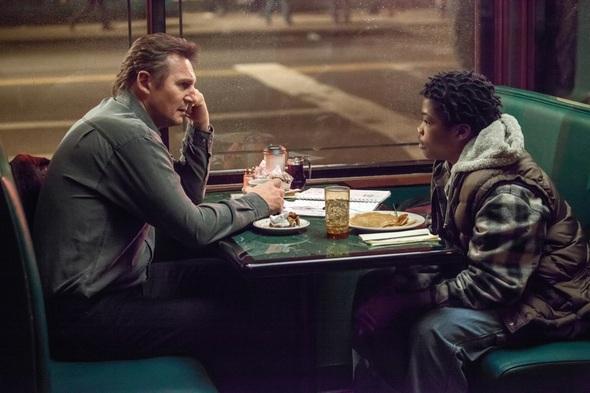 """Matthew Scudder (Liam Neeson) und TJ (Brian """"Astro"""" Bradley) (c) Universal Pictures"""