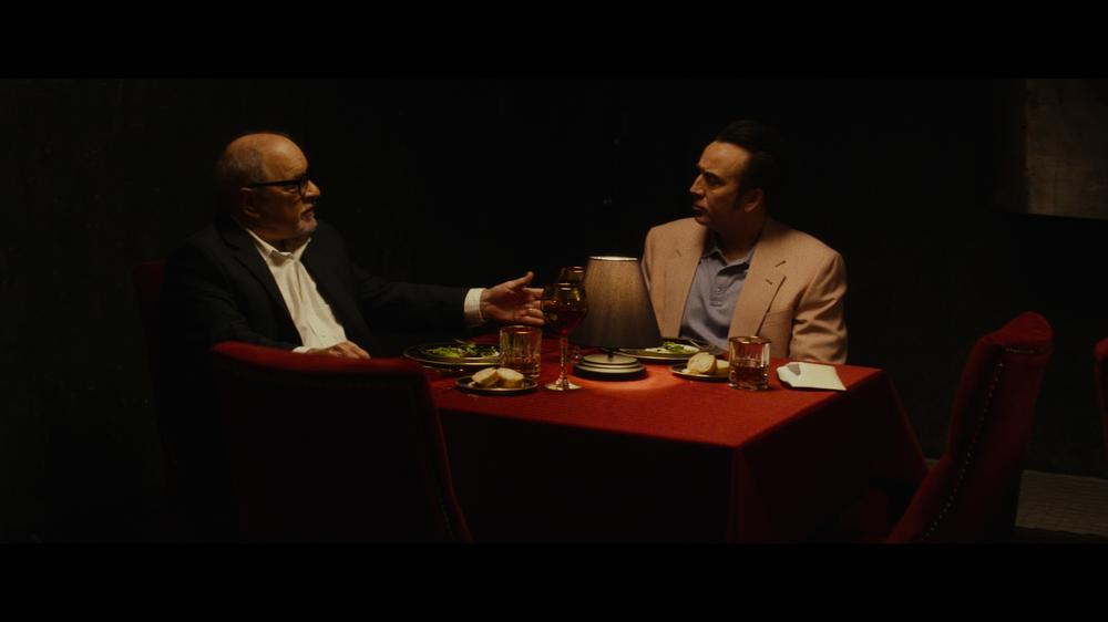 Dog eat Dog (2016): Schrader und Cage beim Essen(c) KSM