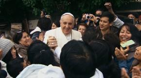 """Filmkritik zu """"Papst Franziskus – Ein Mann seines Wortes"""": Die neue Dokumentation von Wim Wenders"""
