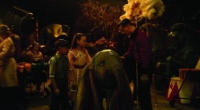 """Dumbo"" Kritik: Tim Burtons Realversion des Disney-Klassikers"